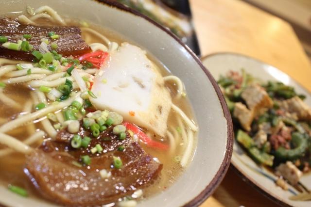 のんびり沖縄旅行なら地元のスーパーを利用して自炊がおすすめ